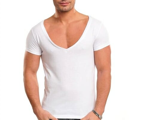 V Neck t-shirt bad example.
